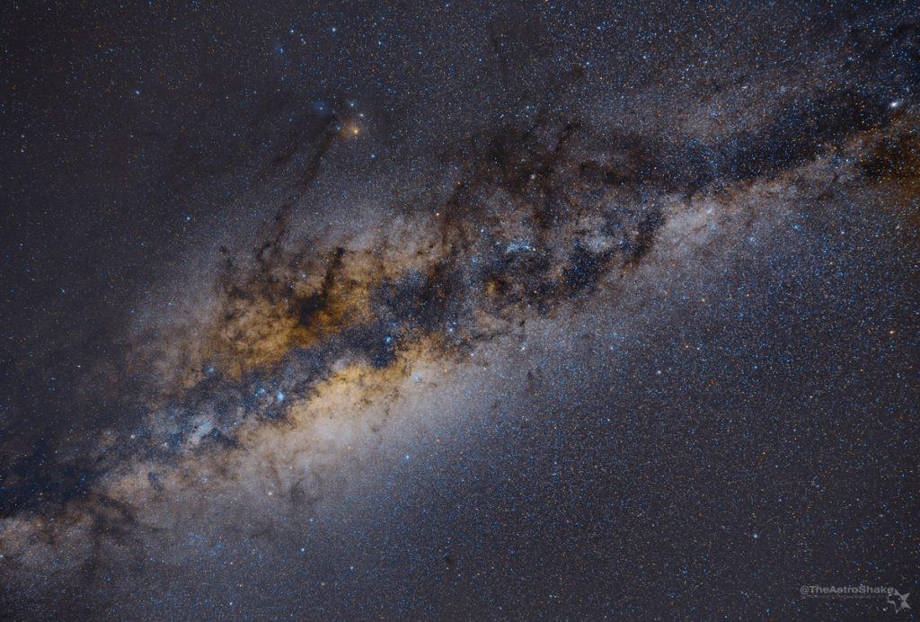 MilkyWay_Sutherland_2014-apr_5x180s_tracked_beta_4_wm_2