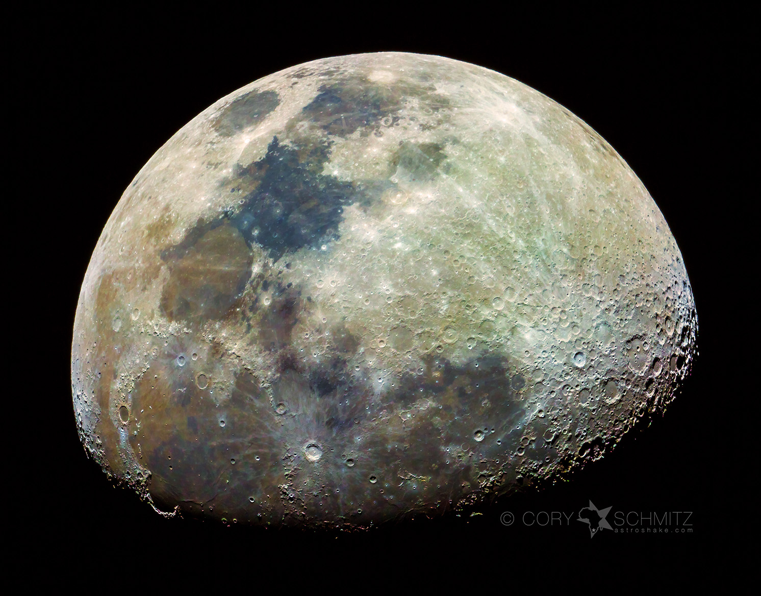 How To Find the Secret and Subtle Color in the Moon ...